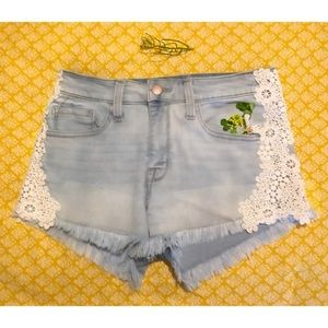 MOSSIMO HIGH RISE SHORTS W/ LACEY FLOWER PATTERN
